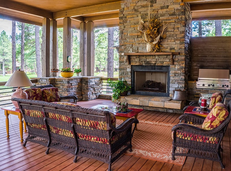 Enjoy your veranda all year round with an outdoor or dual fireplace.